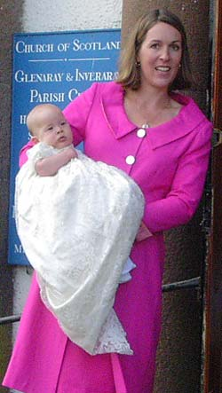 Eleanor, Duchess of Argyll holds newborn Archie, Marquess of Lorne in 2004
